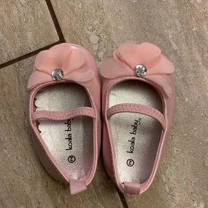 Koala Kids size 2 baby girl shoes worn once